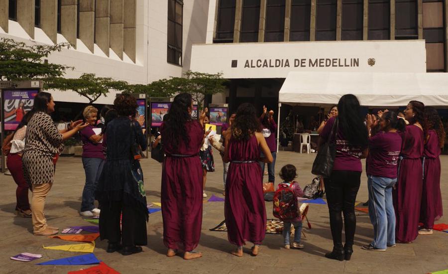 Contagio Radio: Mujeres logran creación del primer subcomité institucional de género en Medellín